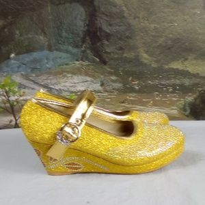 Other - Gold shoes for girls